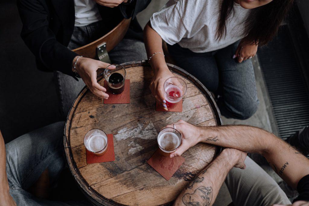 alkohol a tatuaż